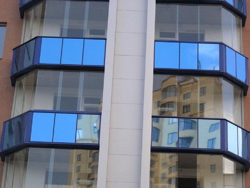 Безрамное остекление балконов от компании тандекс.